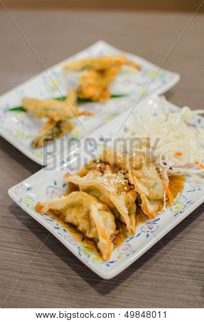 Deep Fried Fish And Gyoza Dumpling Set