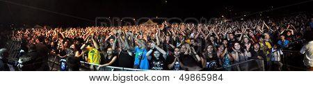 Live hard rock concert