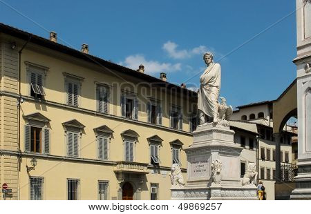 Dante Alighieri Memorial Statue. Florence, Italy