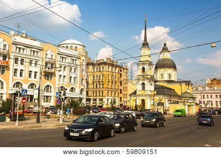 ST.PETERSBURG, RUSSIA - JUN 26, 2013: One of the streets in historical center. Petersburg ranked 10th place among the most visited and popular tourist cities in Europe (20th in the world)