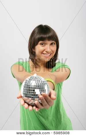 Mulher com esfera