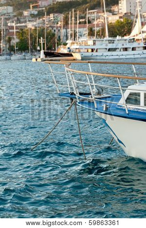 Yacht Cape