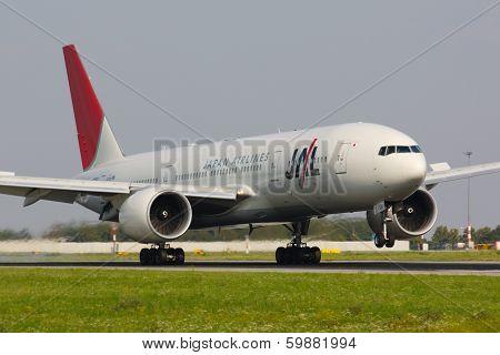 B777 JAL