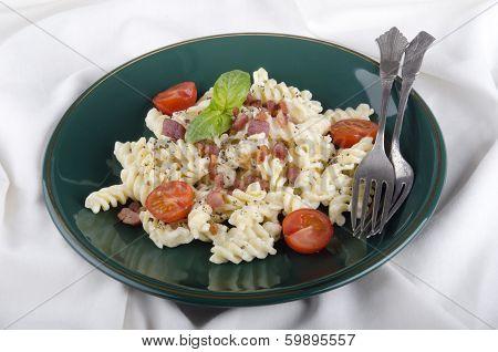 Fusilli With White Cream Sauce