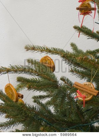 Ecological Christmas decorations