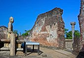 image of polonnaruwa  - Polonnaruwa  ancient vatadage built for keeping secred tooth relic - JPG