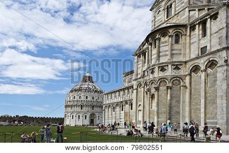 Pisa Baptistry And Cathedral