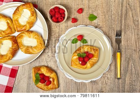 Raspberry pastries
