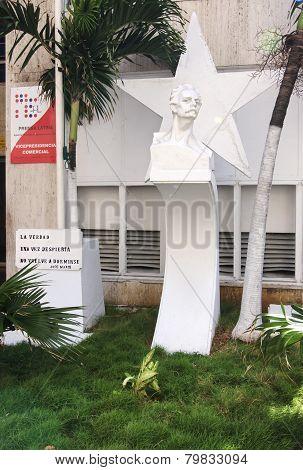 Sculpture of Jose Marti.