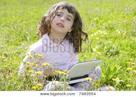 Menina no jardim Prado Notebook computador