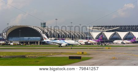 BANGKOK, THAILAND - NOV 07: Suvarnabhumi Airport on November 07, 2014. Suvarnabhumi Airport is one of two international airports serving Bangkok.