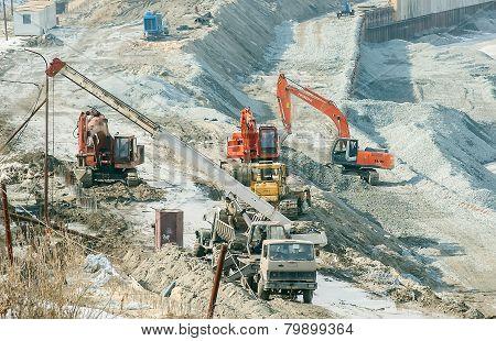 Construction of pedestrian quay in Tyumen