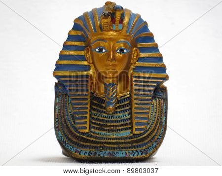 Statue of the Mask of Tutankhamun
