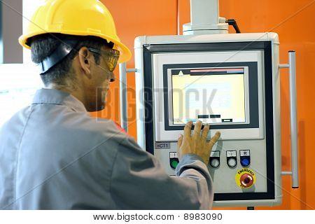 Operador de máquina automática