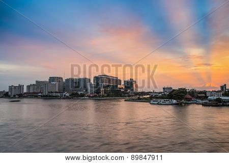 Bangkok, Thailand - March 8, 2015: Siriraj Hospital On The Chao Phraya River, One Of The Oldest And