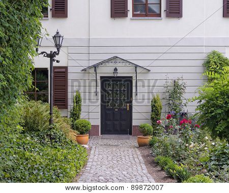 House entrance with flowers Altenburg