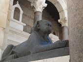 picture of granite  - Black Granite Egyptian Sphinx on Peristyle of Diocletian - JPG
