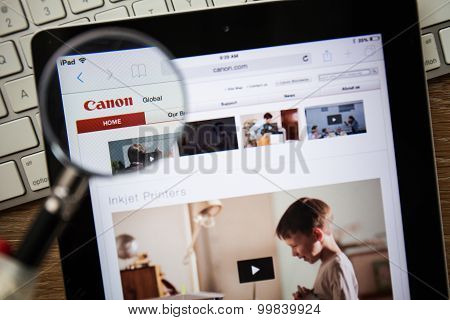 Chiangmai, Thailand - February 15, 2015: Photo Of Canon.com Homepage On A Apple Ipad Screen.