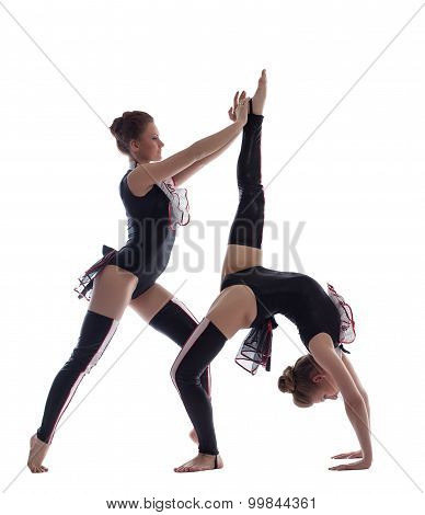 Pretty girls shows beautiful dance composition