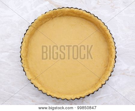 Flan Tin Lined With Shortcrust Pastry