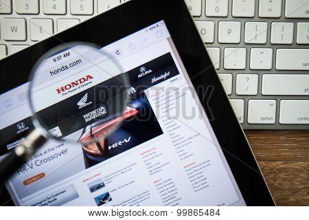 Chiangmai, Thailand - February 15, 2015: Photo Of Honda.com Homepage On A Apple Ipad Screen.