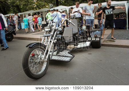 Three-wheeled Bike.