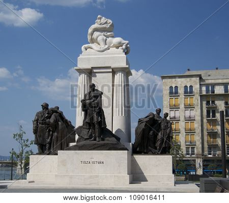 Tisza Istvan statue