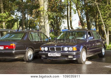 Old-car Bmw 7-series