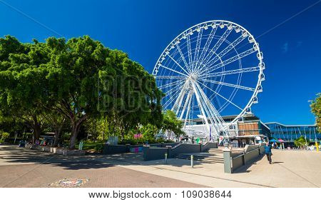 BRISBANE, AUS - NOV 18 2015: The wheel of Brisbane, South Bank Parkland.