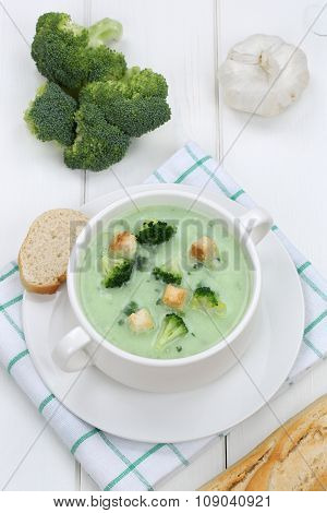 Broccoli Soup In Bowl With Baguette