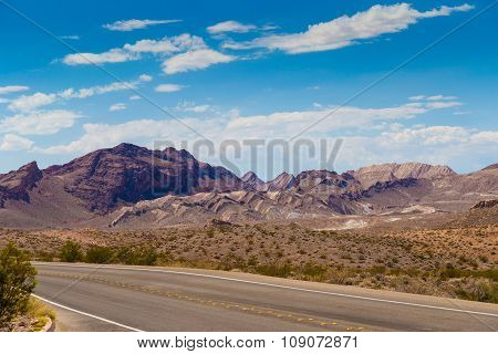 Highway In Valley Of Fire State Park, South Nevada