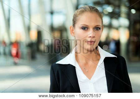 Portrait of a businesswoman in an urban environment