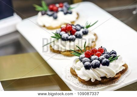 tarts with berry