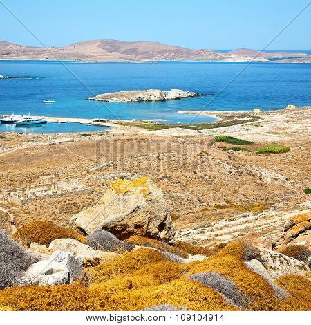 Temple  In Delos Greece The Historycal Acropolis And Old Ruin Site