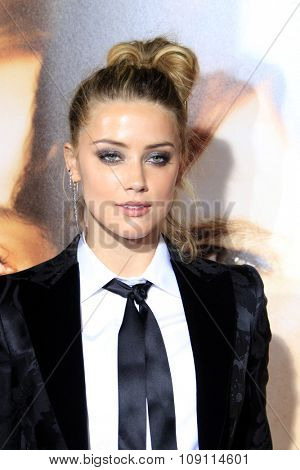 LOS ANGELES - NOV 21:  Amber Heard at the