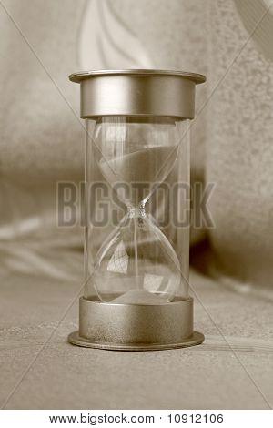 Archaic sand-glass