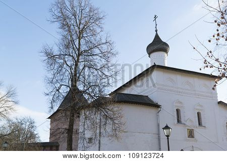 Gate Church of the Annunciation at Suzdal was built  16th century. Golden Ring of Russia Travel
