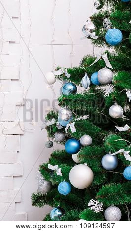 Decorated Christmas Tree. Beautiful Christmas Living Room With Christmas Tree