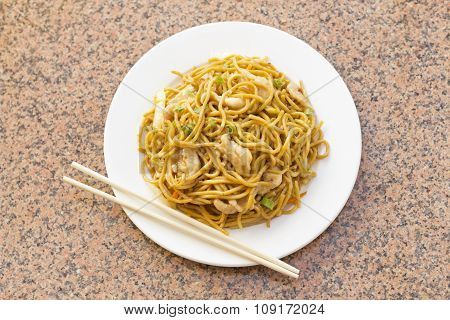 Delicious chinese food chicken Lo Mein stir fry