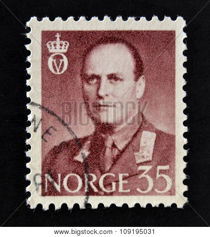 NORWAY - CIRCA 1958: A stamp printed in Norway shows portrait of King King Olav V circa 1958