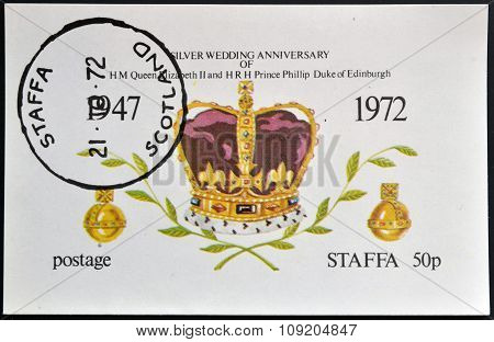 STAFFA - CIRCA 1972: stamp printed in Staffa Scotland shows the crown of Queen Elizabeth II