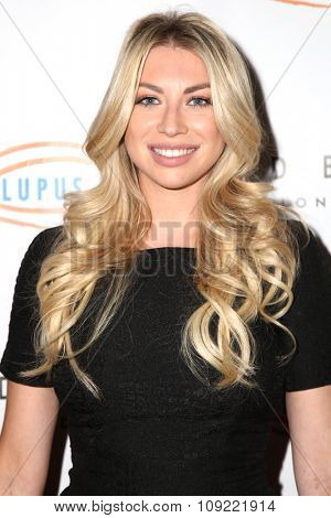 LOS ANGELES - NOV 20:  Stassi Schroeder at the 13th Annual Lupus LA Hollywood Bag Ladies Luncheon at the Beverly Hilton Hotel on November 20, 2015 in Beverly Hills, CA