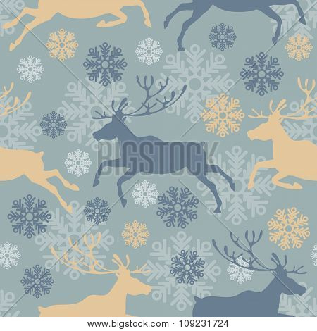 Cute Merry Christmas seamless pattern with reindeers and snowflakes. Vintage vector illustration.