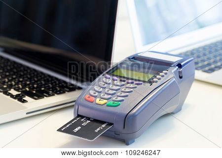 Credit Card Machine In The Store