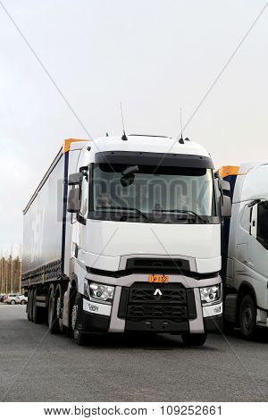 Renault Trucks T Semi On Demo Drive Event, Vertical