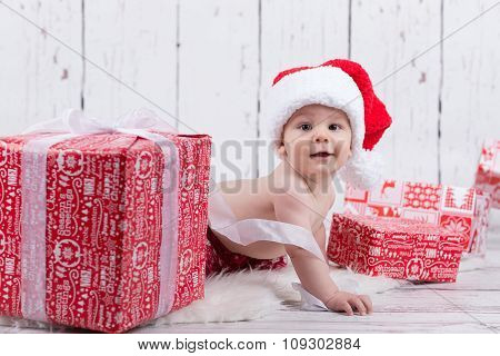 Little X-mas Baby With Gifts