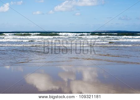 Beautiful Soft Waves Reflection