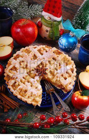 Homemade Christmas Apple Pie