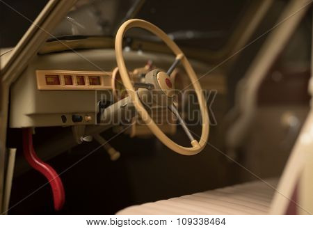 steering wheel retro car
