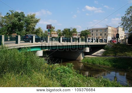 Bridge over the I&M Canal